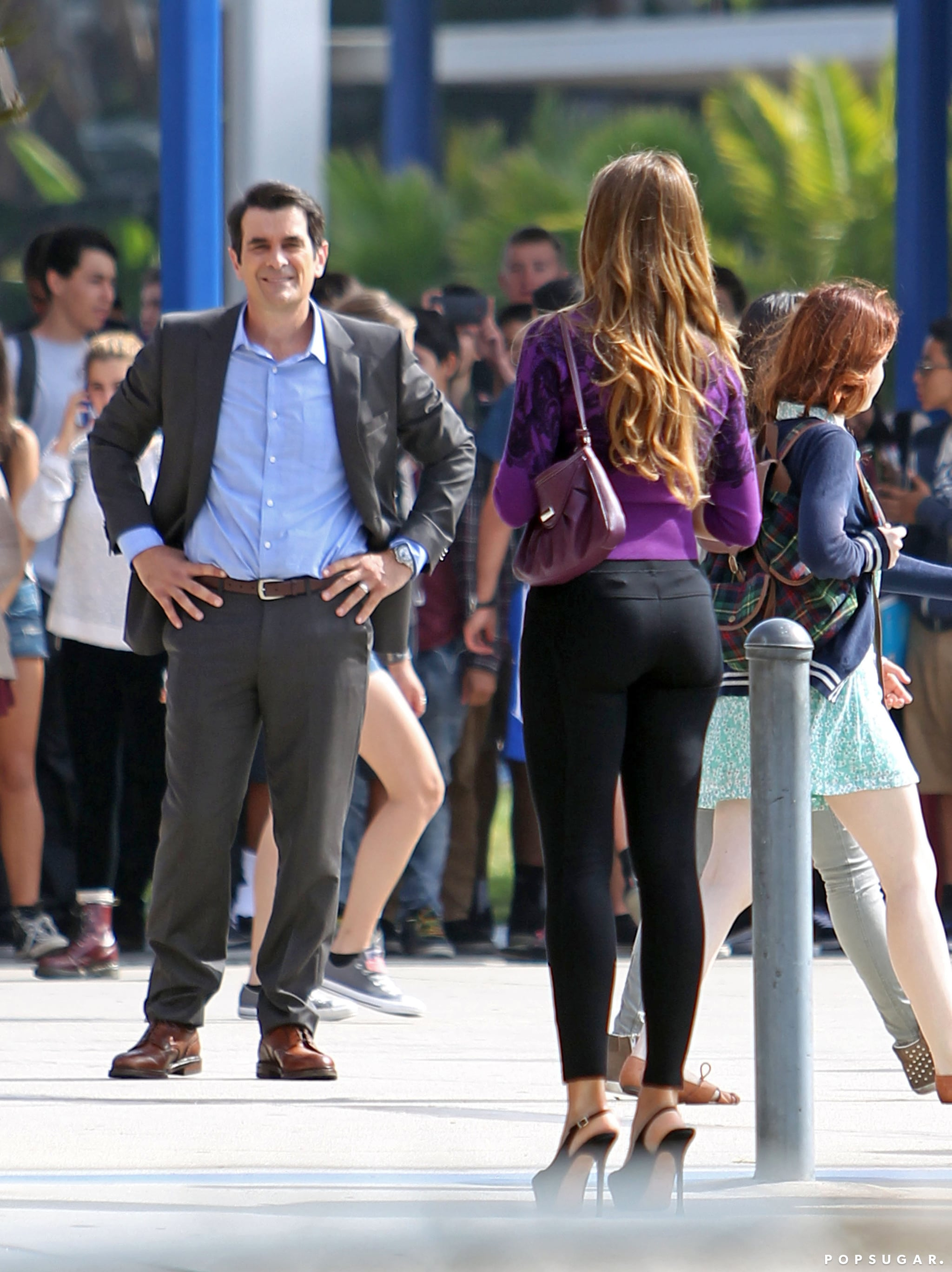 Sofia Vergara wore tight black pants to film a scene with her costar Ty Burrell.