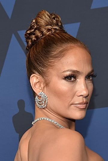 Jennifer Lopez Wears Essie Topless and Barefoot Polish