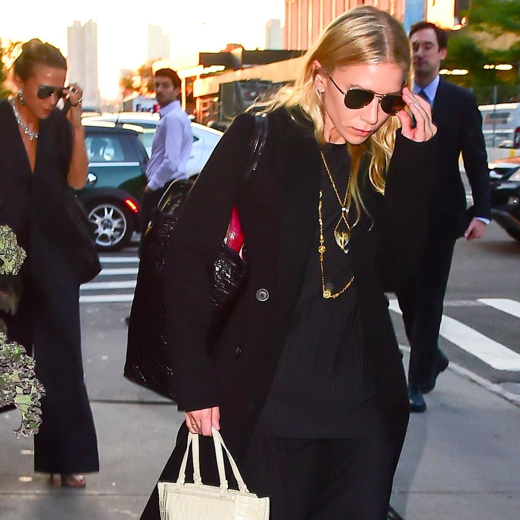 Mary Kate And Ashley Olsen Carrying Bags In New York 2016