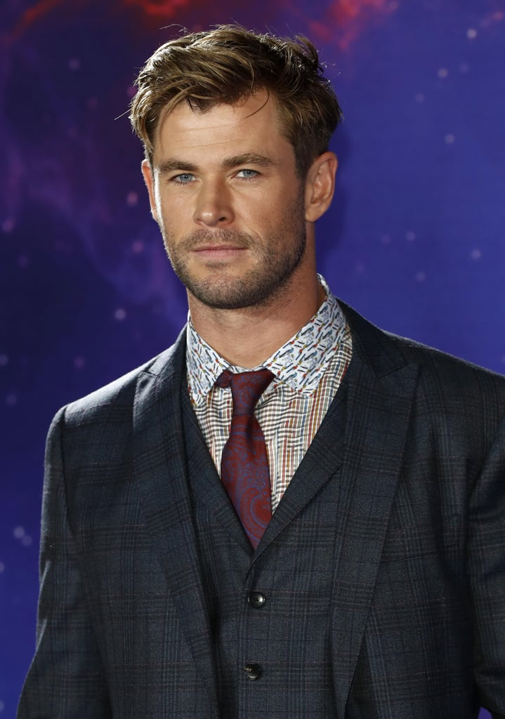 Sexy Chris Hemsworth P...