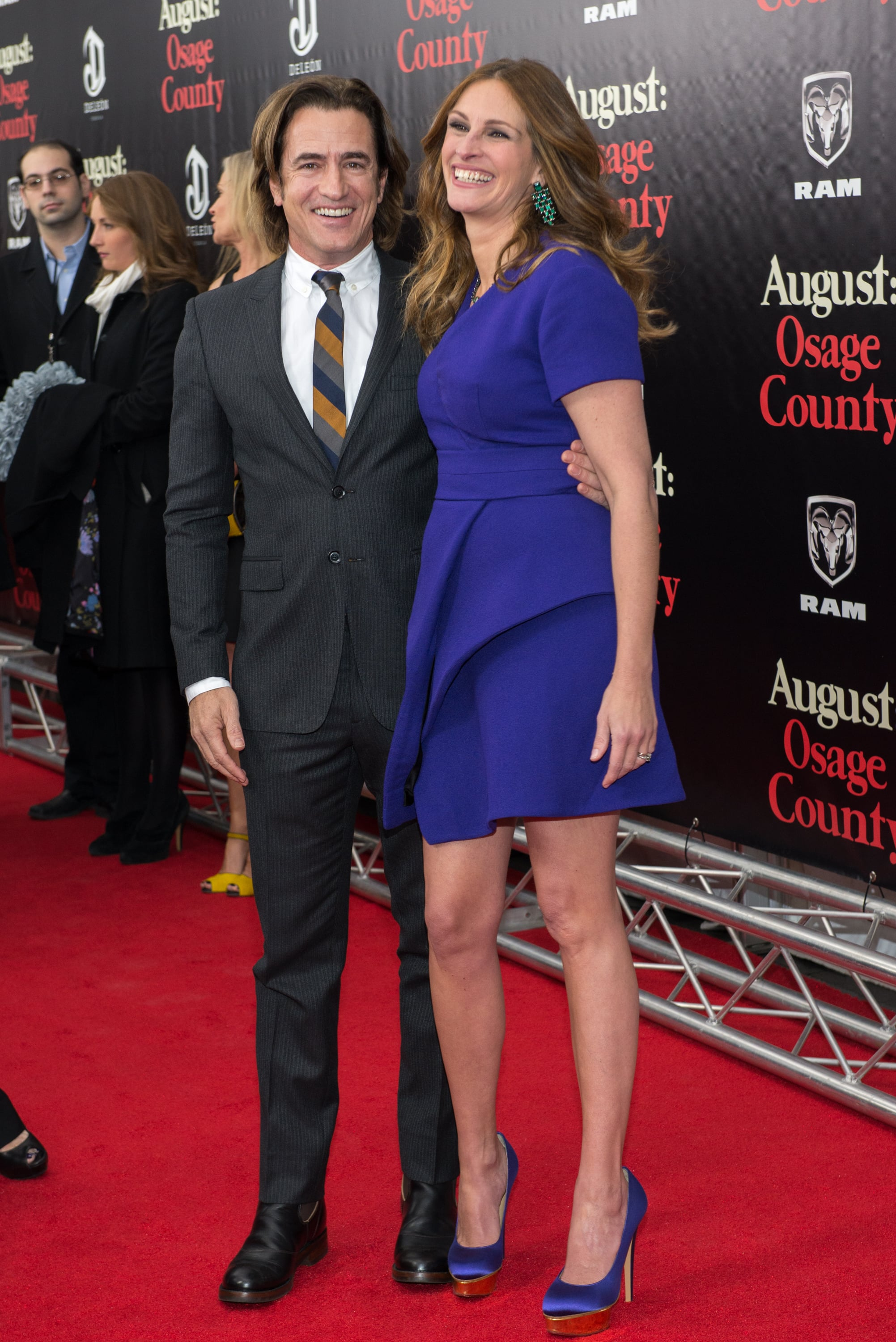 Julia Robert and Dermot Mulroney shared a giggle on the red carpet at the premiere of August: Osage County in NYC.