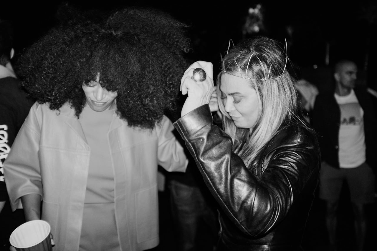 Solange danced with her mom, Tina.  Source: Tumblr user beyonce