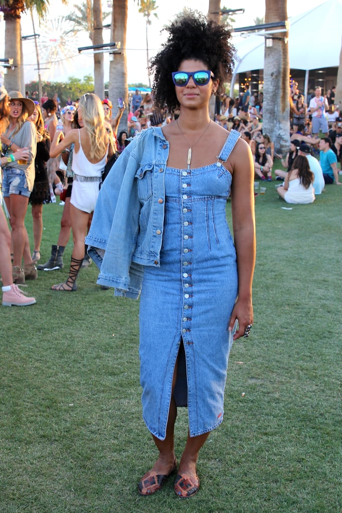 Blue mirrored sunglasses attracted eyes to the focal point of this look: a formfitting button-front denim dress.