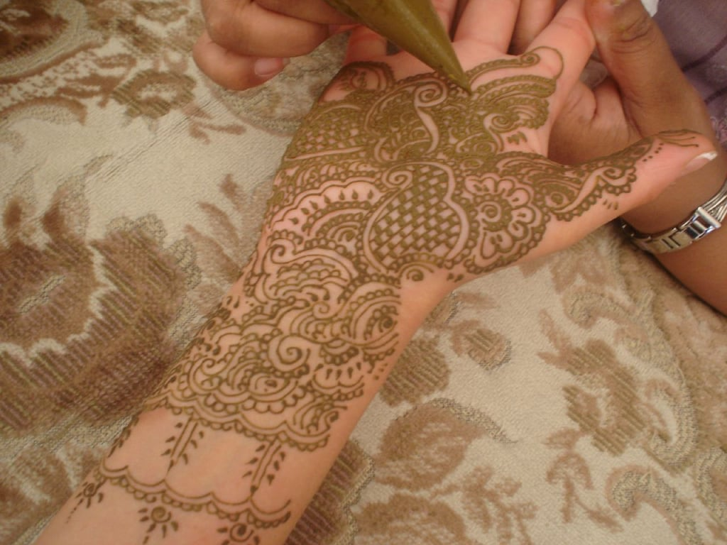 bridal mehndi and henna designs popsugar beauty australia. Black Bedroom Furniture Sets. Home Design Ideas