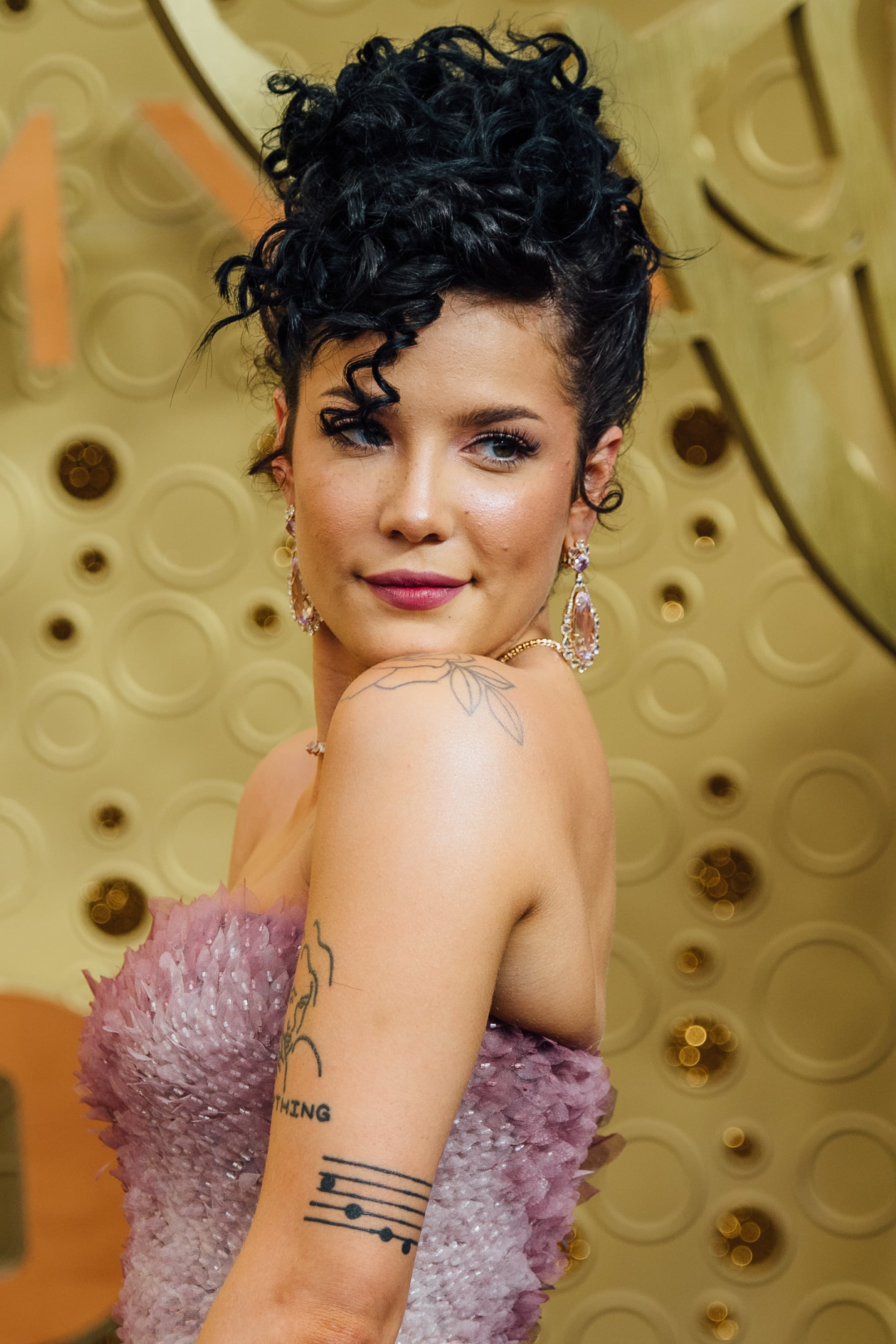 Halsey S Black Curly Updo 15 Celebrity Hair Looks To Inspire Your Holiday Party Hairstyles Popsugar Beauty Photo 10