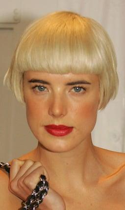 Photos of Agyness Deyn New Latest Hair Cut Hairstyle Bob Short Chic Unveiled at New York Fashion Week Michael Kors Show Trend 2008-09-11 03:41:37