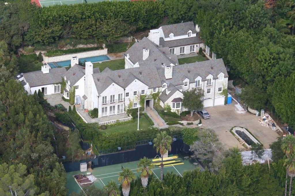 tom cruise sells la mansion popsugar home. Black Bedroom Furniture Sets. Home Design Ideas