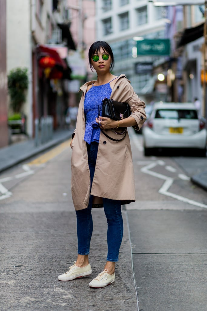 For a casual day with a trench and sneakers