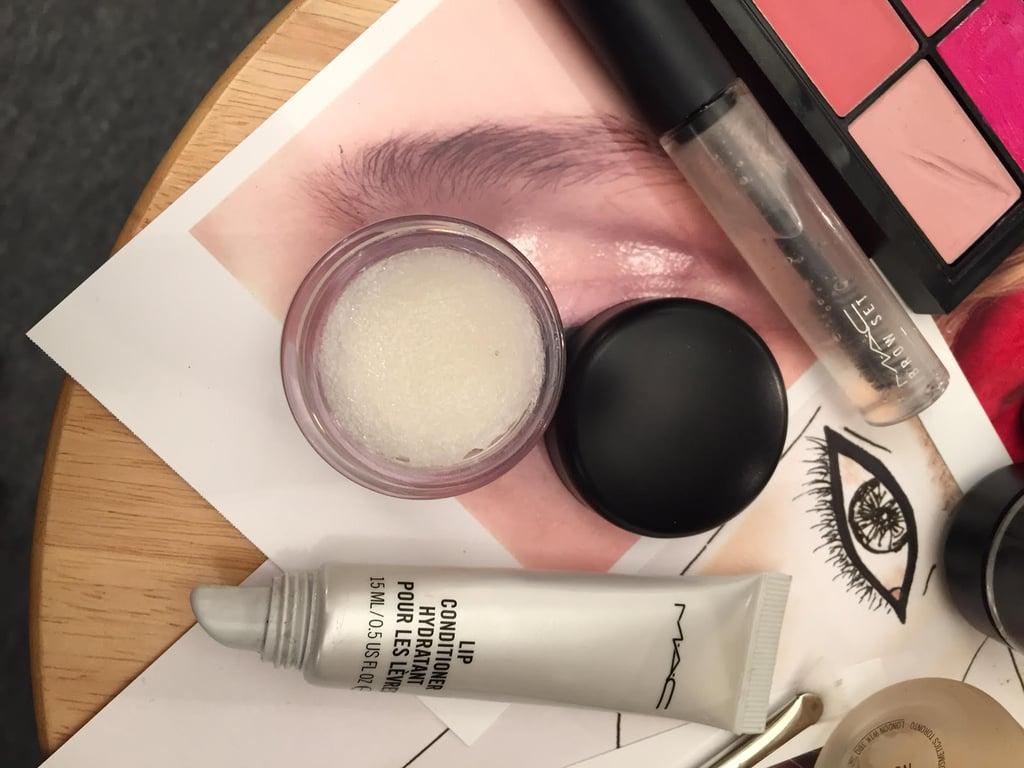 MAC Cosmetics Lip Scrub in Classic Vanilla