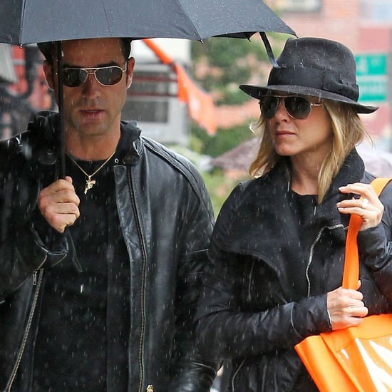 Jennifer Aniston and Boyfriend Justin Theroux Pictures in Rainy NYC