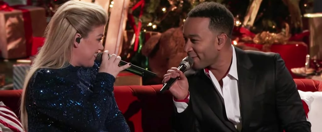 """John Legend Kelly Clarkson Perform """"Baby, It's Cold Outside"""""""