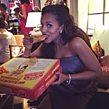 Kerry Washington finally got her gluten-free pizza fix in the Oscars green room. Source: Instagram user kerrywashington