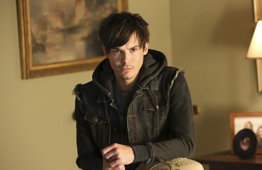 Caleb Rivers (Tyler Blackburn)