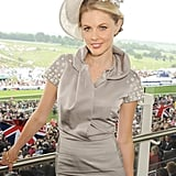 Presenter Donna Air posed at the races.