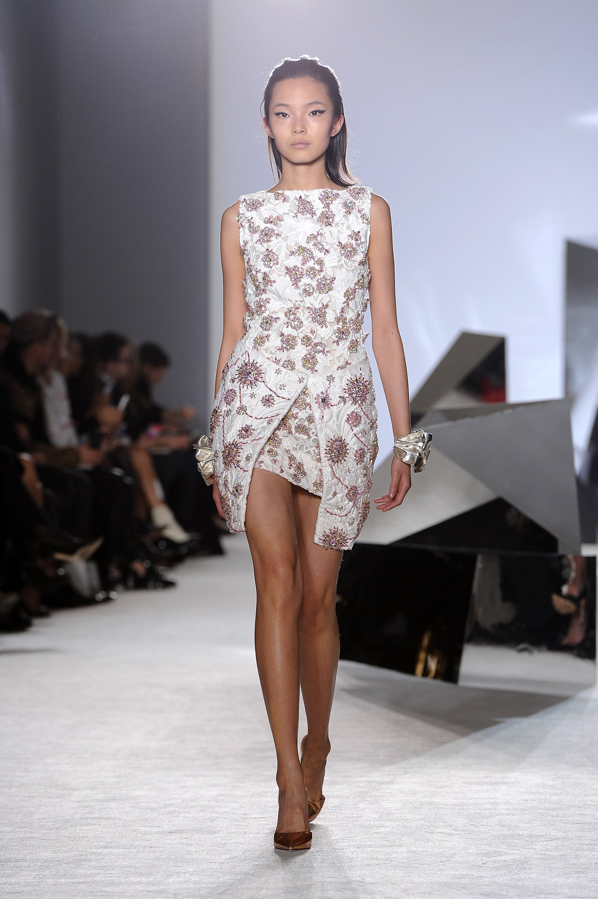 Giambattista valli haute couture spring 2014 how does for Couture vs haute couture