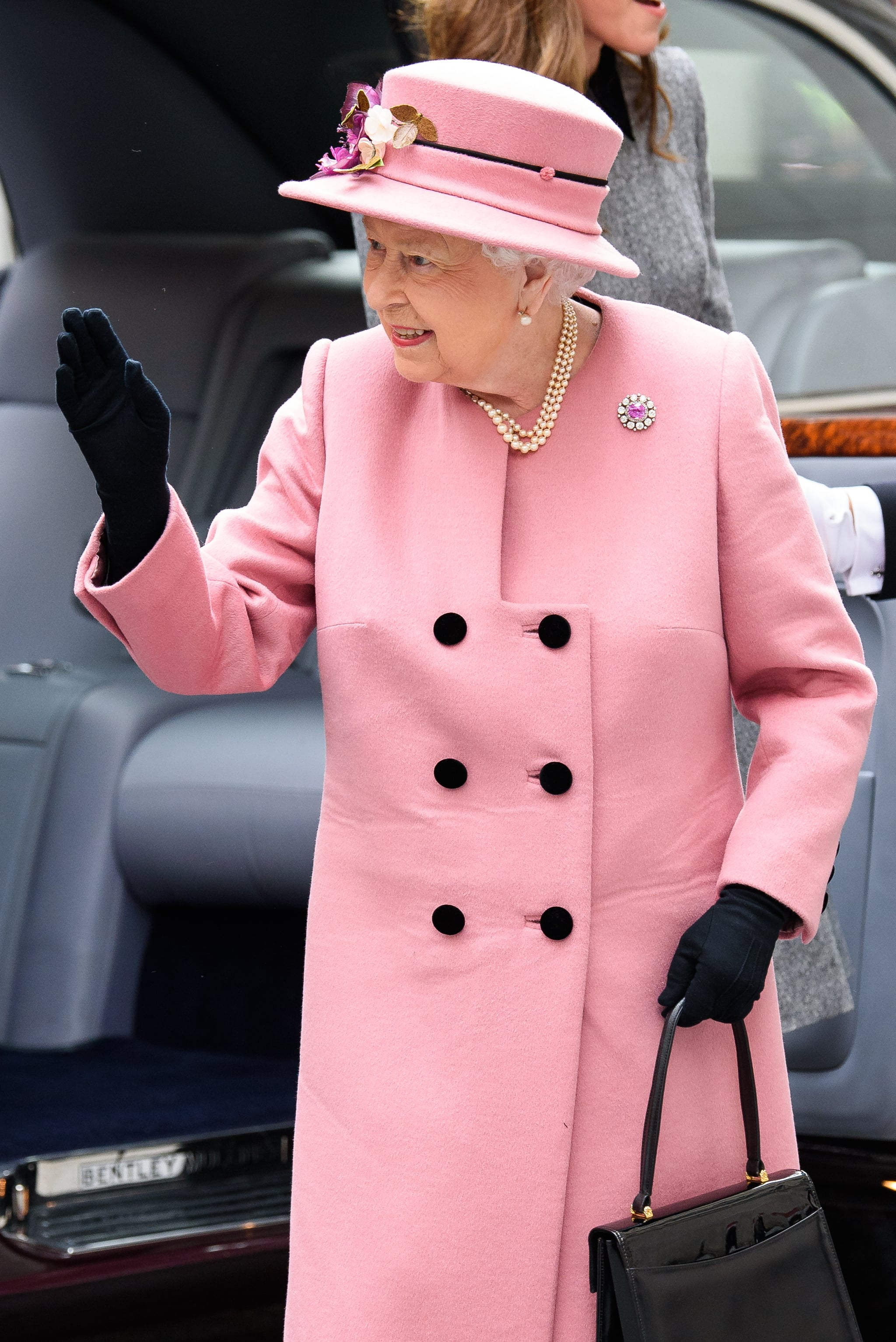 LONDON, ENGLAND - MARCH 19: Queen Elizabeth II visits King's College London on March 19, 2019 in London, England to officially open Bush House, the latest education and learning facilities on the Strand Campus. (Photo by Joe Maher/Getty Images)