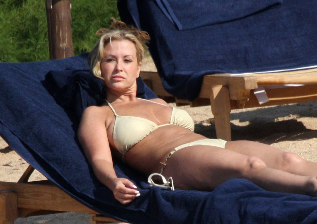 Pictures of Anastacia in Bikini