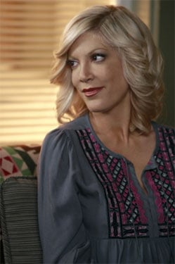 "Preview Clip for 90210 Episode ""Okaeri, Donna!"" with Tori Spelling"