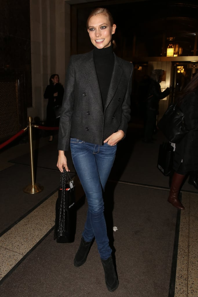 Karlie Kloss arrived in style before walking in the Oscar de la Renta show on Tuesday.