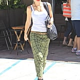 Gwen Stefani wore a brown belt.