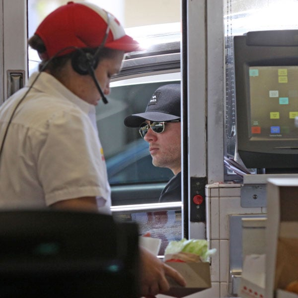Pictures of Ryan Phillippe at In N Out Burger | POPSUGAR