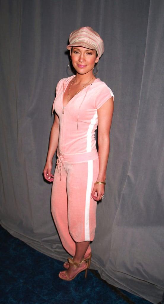 Jennifer Lopez Wearing Sweatpants Pictures