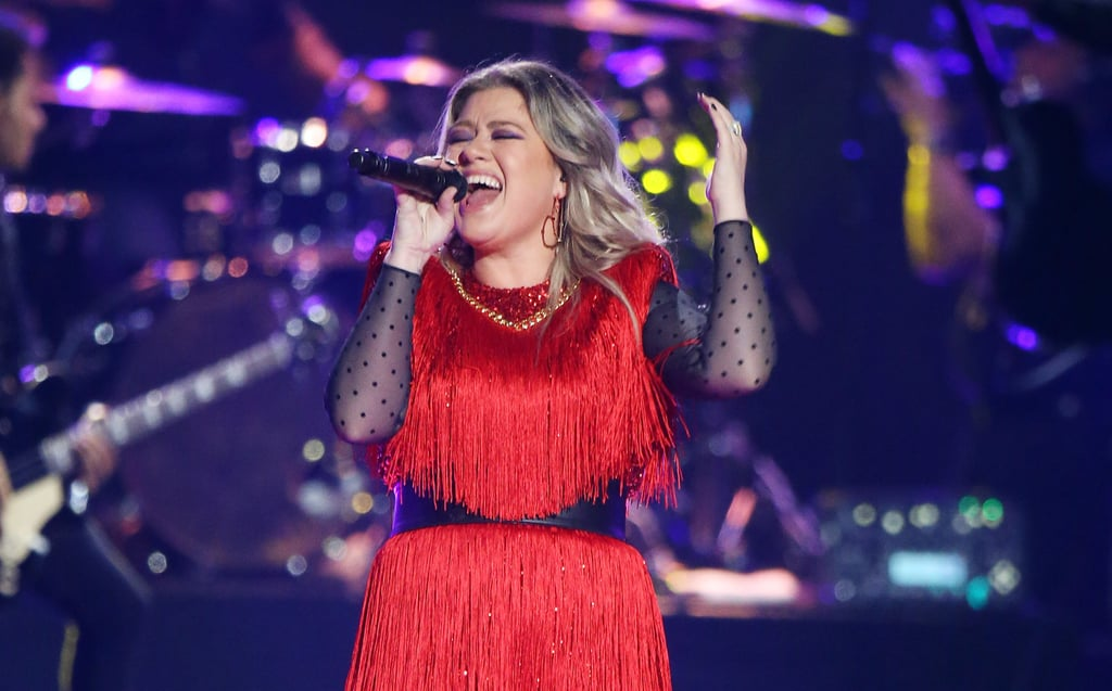 "Kelly Clarkson Sings The Greatest Showman's ""Never Enough"""