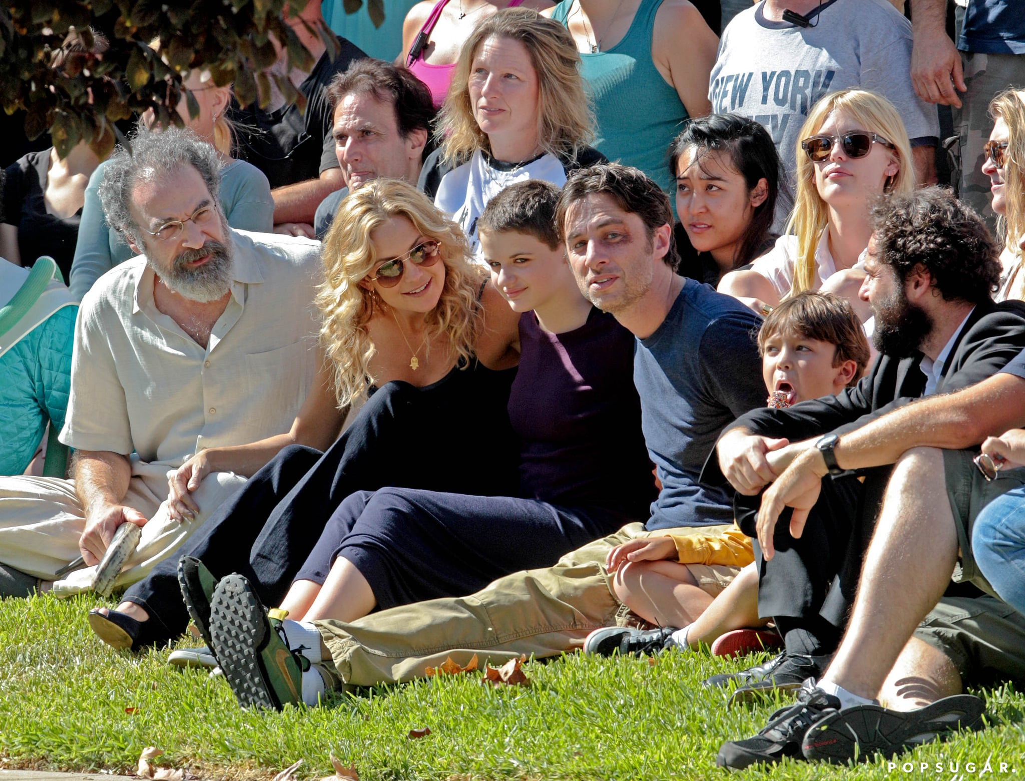 Kate Hudson and Zach Braff posed for a group photo with their cast and crew.