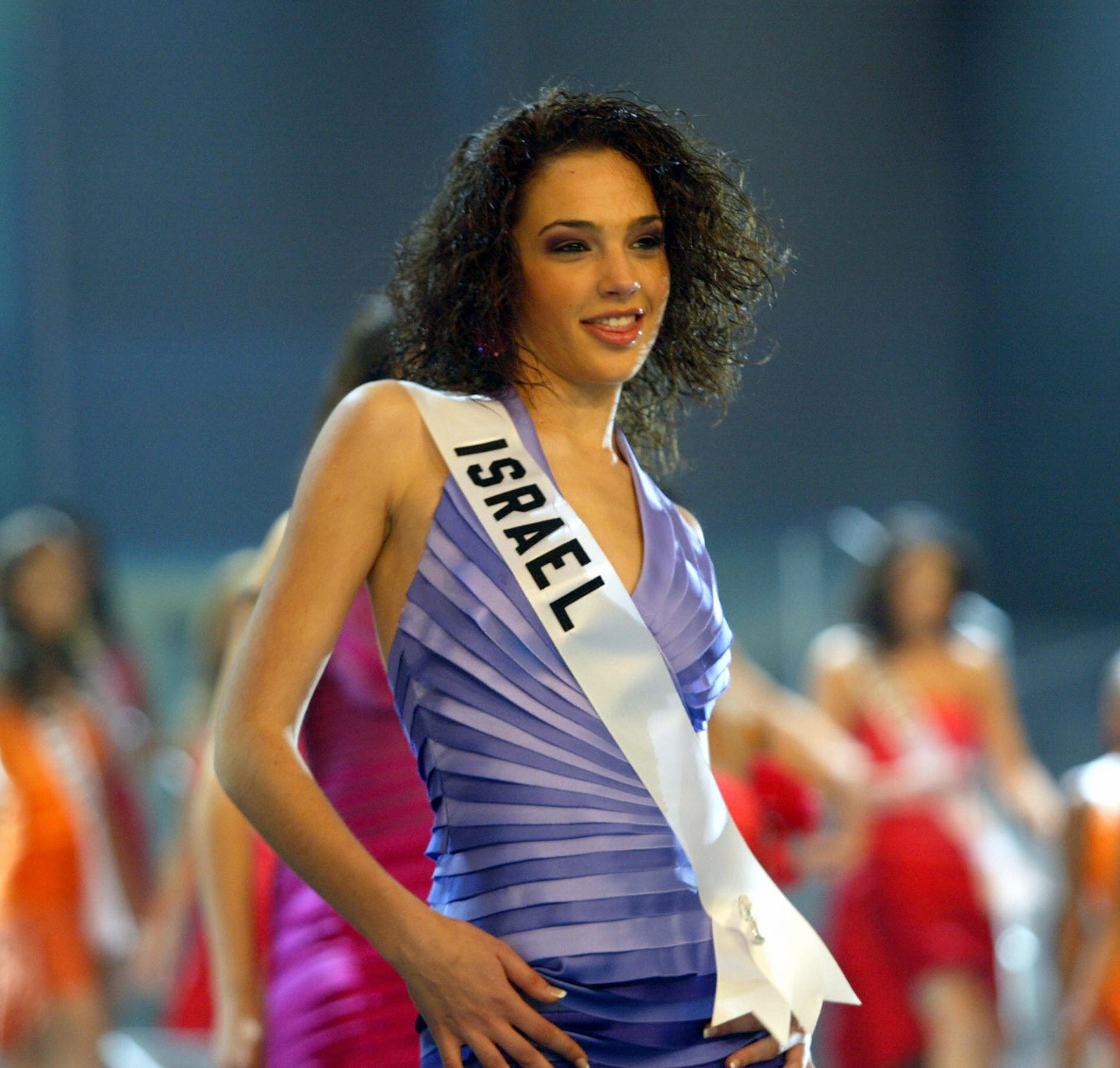 Gal Gadot In Miss Universe Pageant Photos Popsugar Celebrity Australia