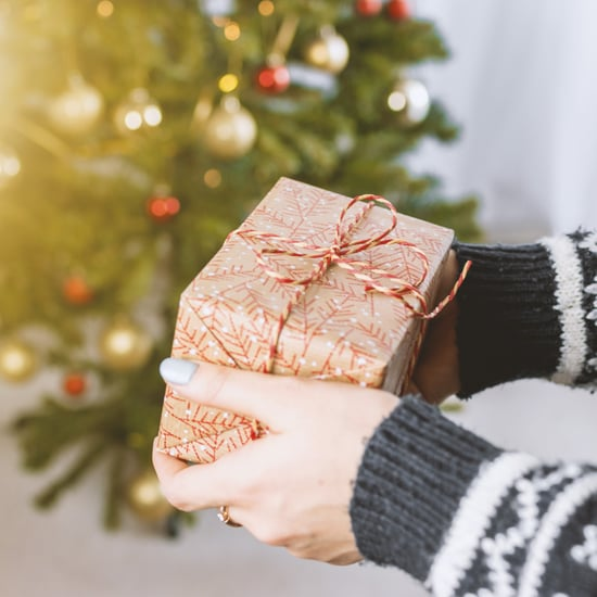 How Much Should You Tip Your Nanny For Christmas?