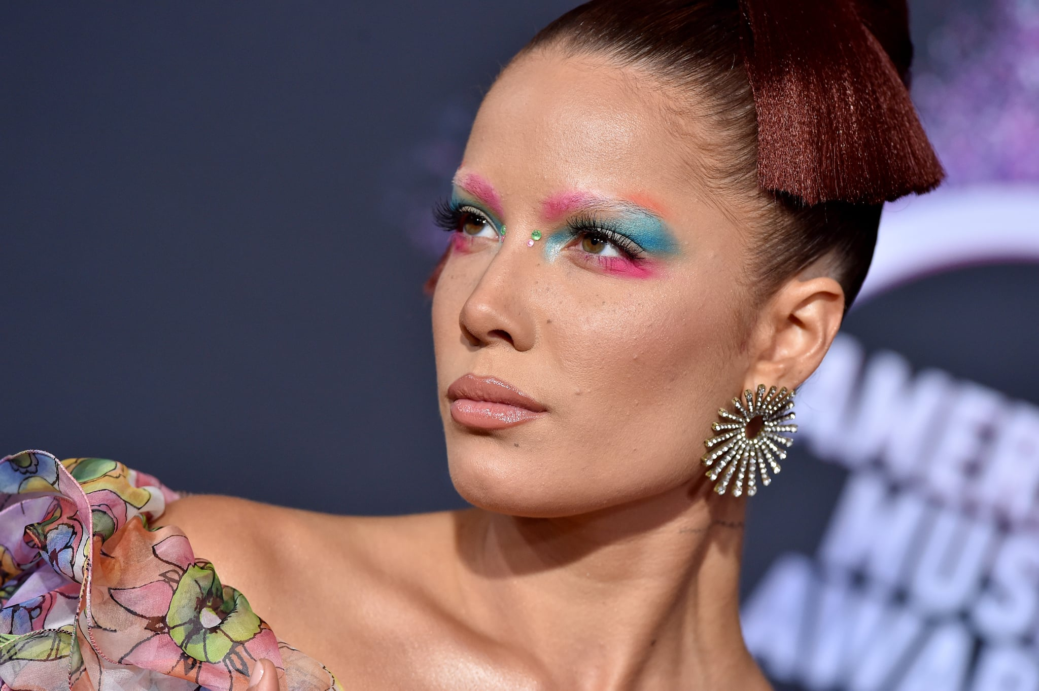 LOS ANGELES, CALIFORNIA - NOVEMBER 24: Halsey attends the 2019 American Music Awards at Microsoft Theater on November 24, 2019 in Los Angeles, California. (Photo by Axelle/Bauer-Griffin/FilmMagic )
