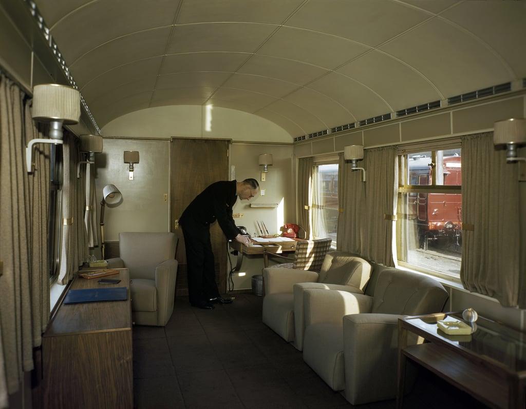 George VI's Lounge