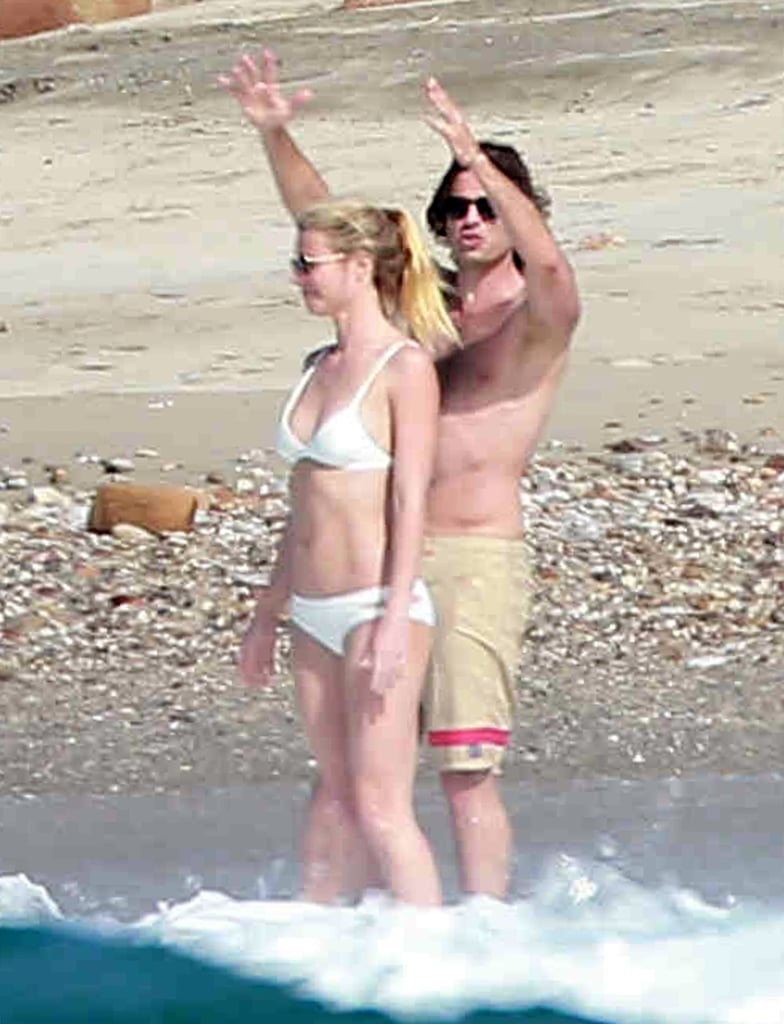 Gwyneth Paltrow Flees to Mexico For a Cuddly, Bikini-Filled Vacation With Her Boyfriend