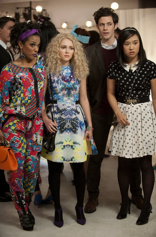 Carrie blossomed in a floral-print watercolor H&M dress while partying with Larissa and Mouse. Work this floral Rag & Bone mini ($475) with tights for Winter, then go bare leg for warmer months. Source: The CW