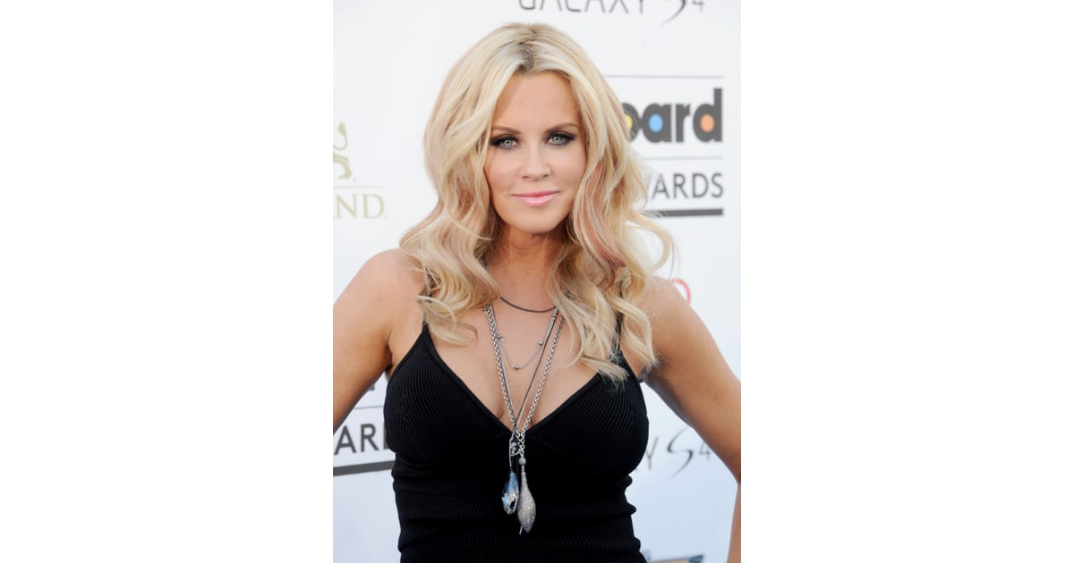 jenny mccarthy gets strip searched