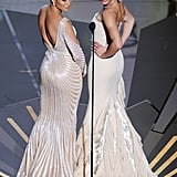 Jennifer Lopez and Cameron Diaz struck a pose while presenting an award during the 2012 Oscars.