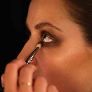 7 Tips to Stop Eyeshadow From Creasing