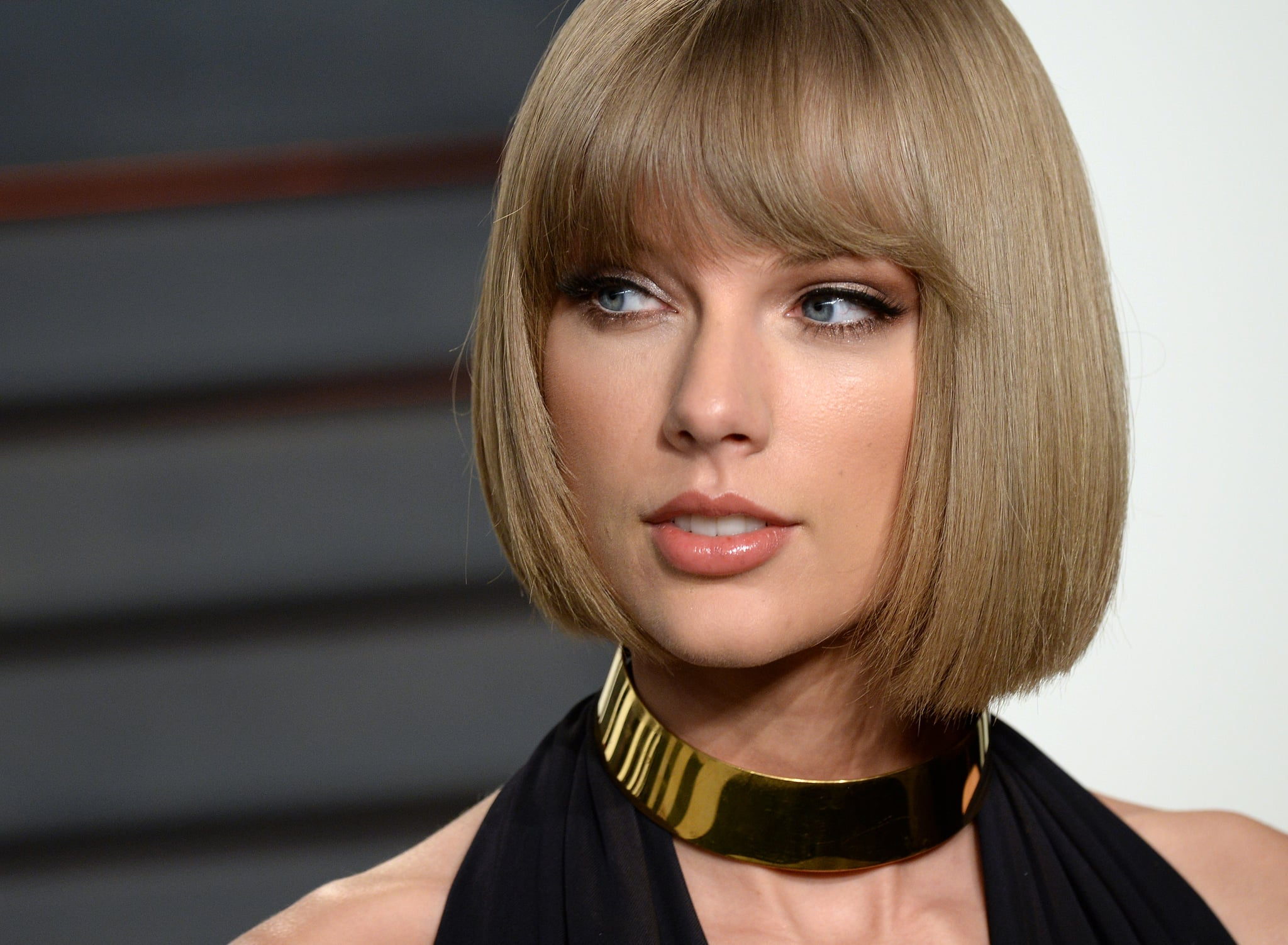 Taylor Swift Celebrates Sales Landmarks by Offering Catalog for Streaming