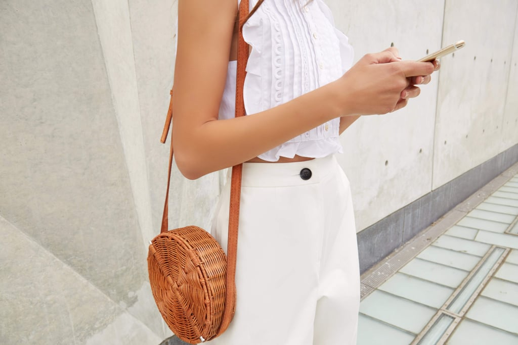 7 Apps Every Woman Needs on Her Phone Before She Travels Solo