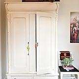 Mom Turns Closet Into Secret Room For Daughter