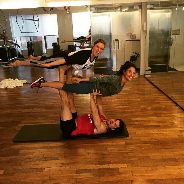 Lena Dunham Doing Yoga | Pictures