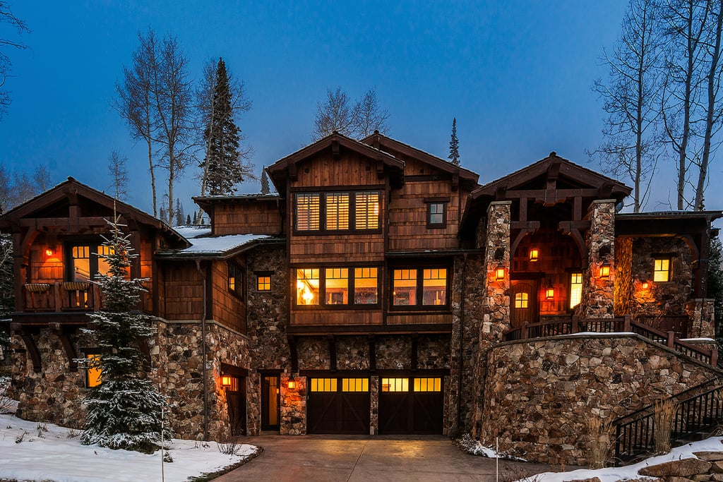 Nina dobrev 39 s park city ut airbnb cabin popsugar home for Affitto cabina park city utah
