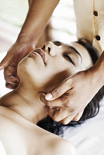 What To Know About Lymphatic Drainage Facial Massages