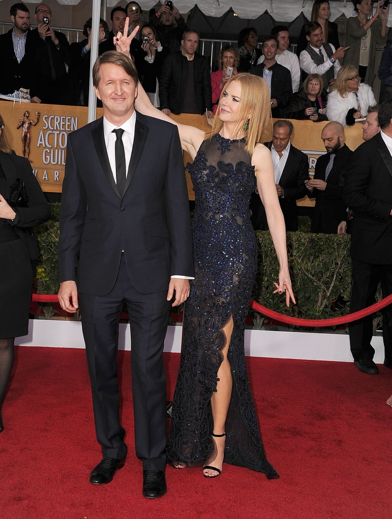 Nicole Kidman goofed off with director Tom Hooper on the SAGs red carpet.