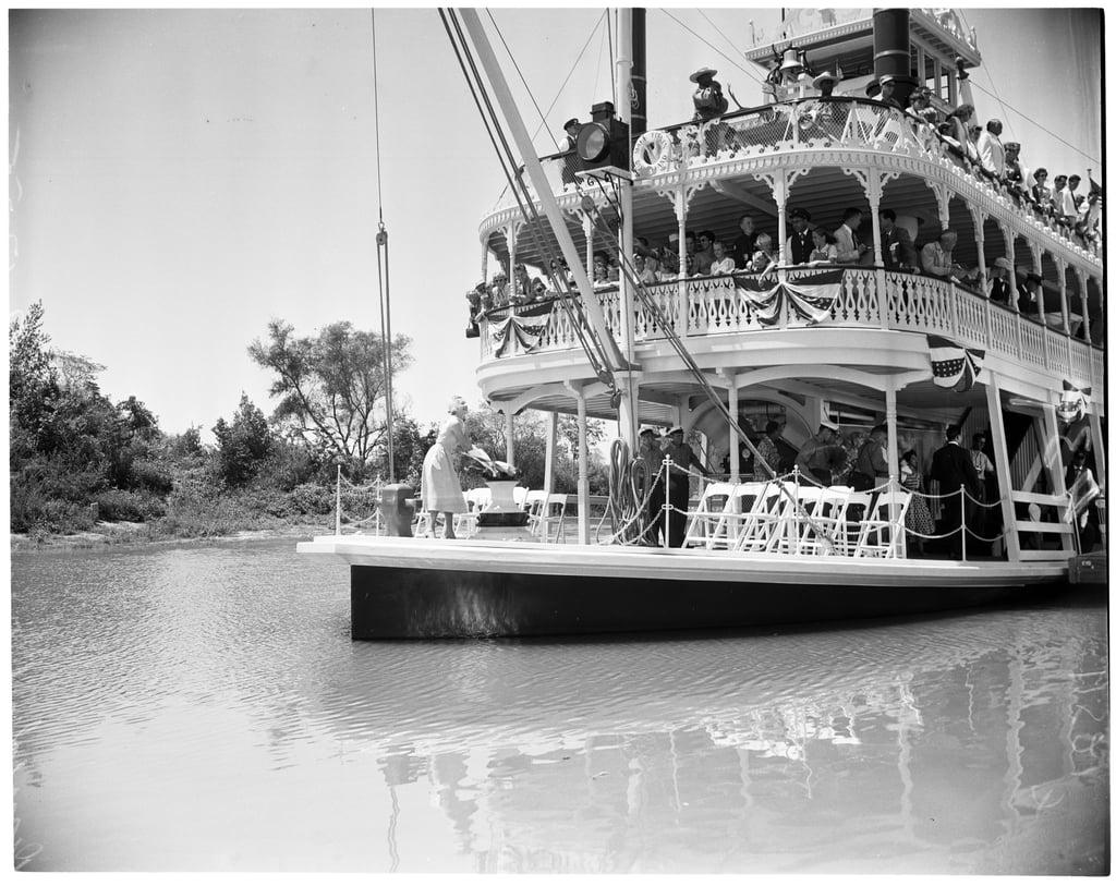Mark twain riverboat essay