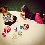 Honor and Haven Warren enjoyed a backyard picnic with their mom, Jessica Alba.