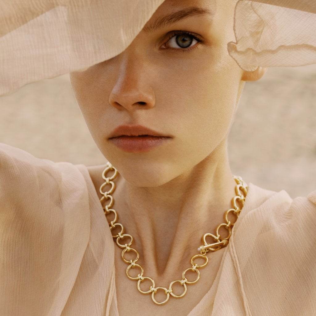 Shop Chunky Chainlink Necklaces