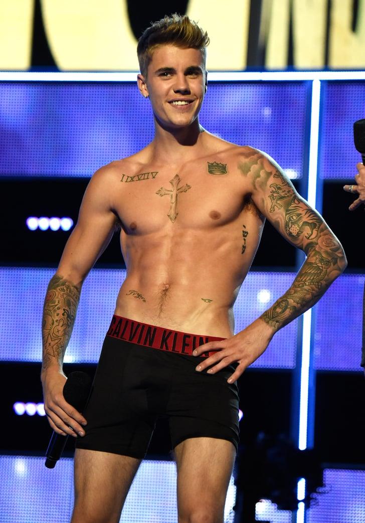 Justin Bieber Shirtless During Fashion Rocks | Photos ...