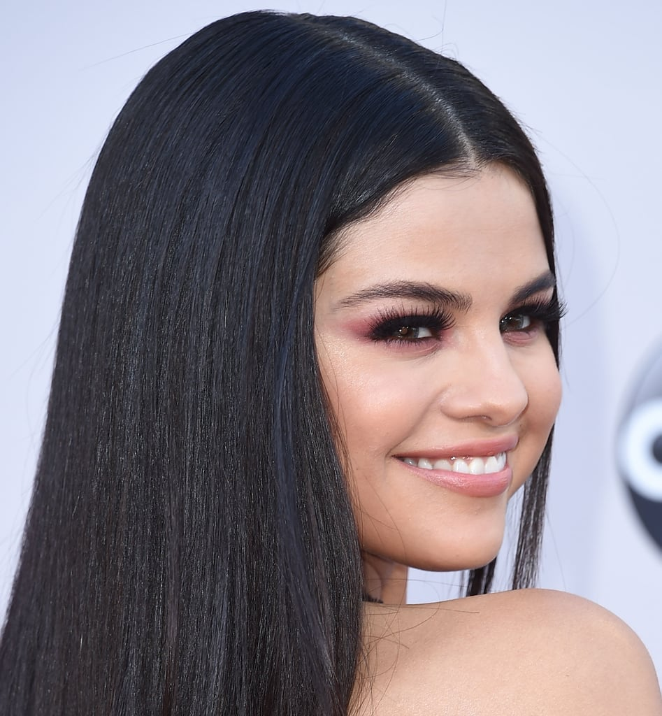 Selena Gomez's Red Smoky Eye in November 2015