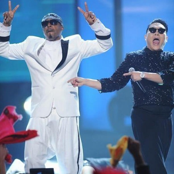 MC Hammer shared the stage at the AMAs with Psy. Source: Instagram user mchammer